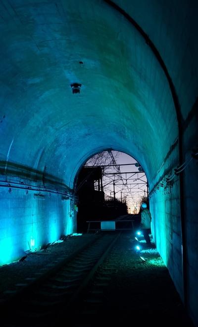 トンネルナイトウォーク